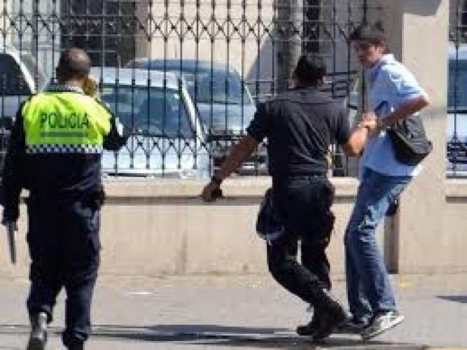 """""""Queremos frenar la violencia institucional"""", aseguró Quiroga, concejal de FPV."""