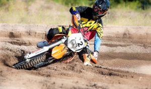 Las motocicletas de Enduro son parecidas a las motos de Motocross aunque con algunas diferencias significativas.
