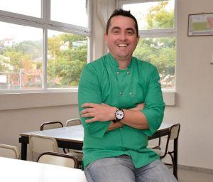 """""""Hay que convertirse en un mejor comprador, observar mejor y ponerse a buscar esas recetas fáciles y prácticas que están olvidadas en los libritos de la abuela"""", recomendó el chef Horacio Gómez."""