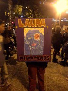 La marcha inició a las 17 horas desde la casa de Laura Moyano ubicada en la calle Túpac Yupanqui 8334 (B° 9 de Julio, Córdoba). Foto: Samuel Cazuriaga.