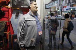 Muchos comerciantes se quejan de que los talles más grandes no se venden y les ocasiona un verdadero problema económico