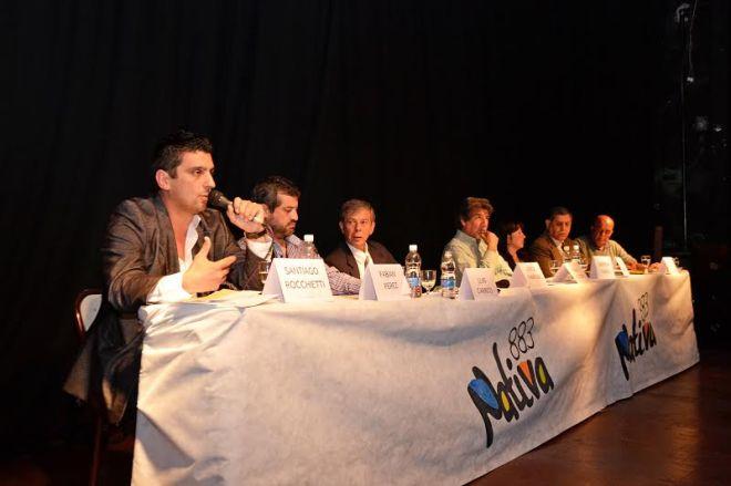 Los candidatos hablaron 2:30 minutos por cada eje planteado.