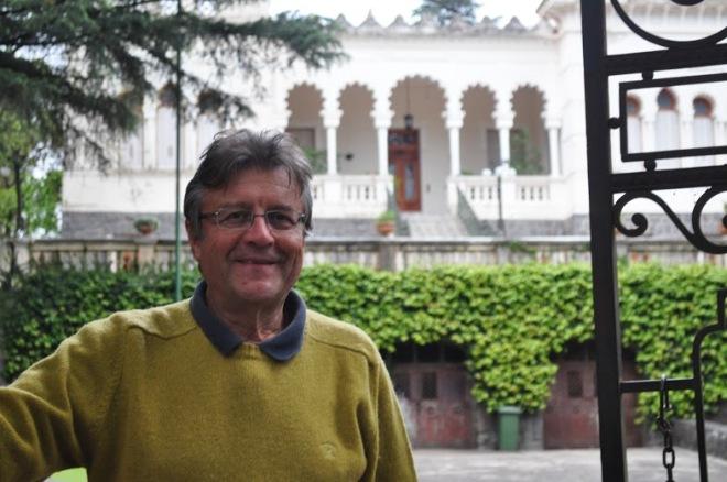 """""""Acá siempre descubro algo, cuando pienso que conozco todo me encuentro con algo nuevo"""", afirmó Carlos Merino, habitante del castillo."""
